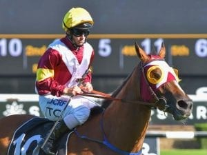 Faraway Town claims Group Three Triscay Stakes
