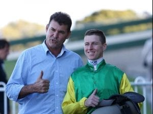 William Thomas impresses with Sandown win