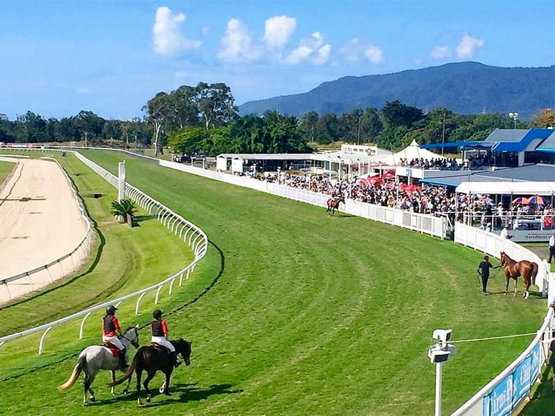 Cairns horse racing