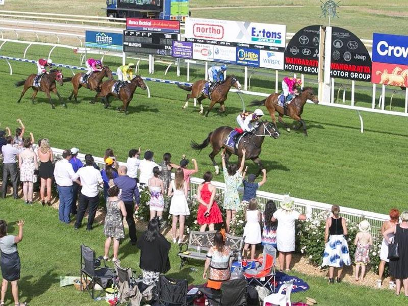 Wangaratta horse racing