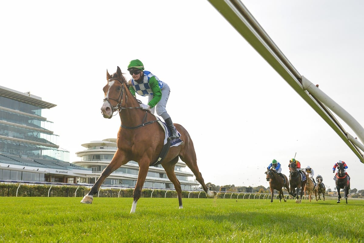 Grand Promenade wins at Flemington